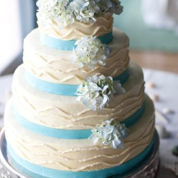 style_me_pretty_wedding_27_cake