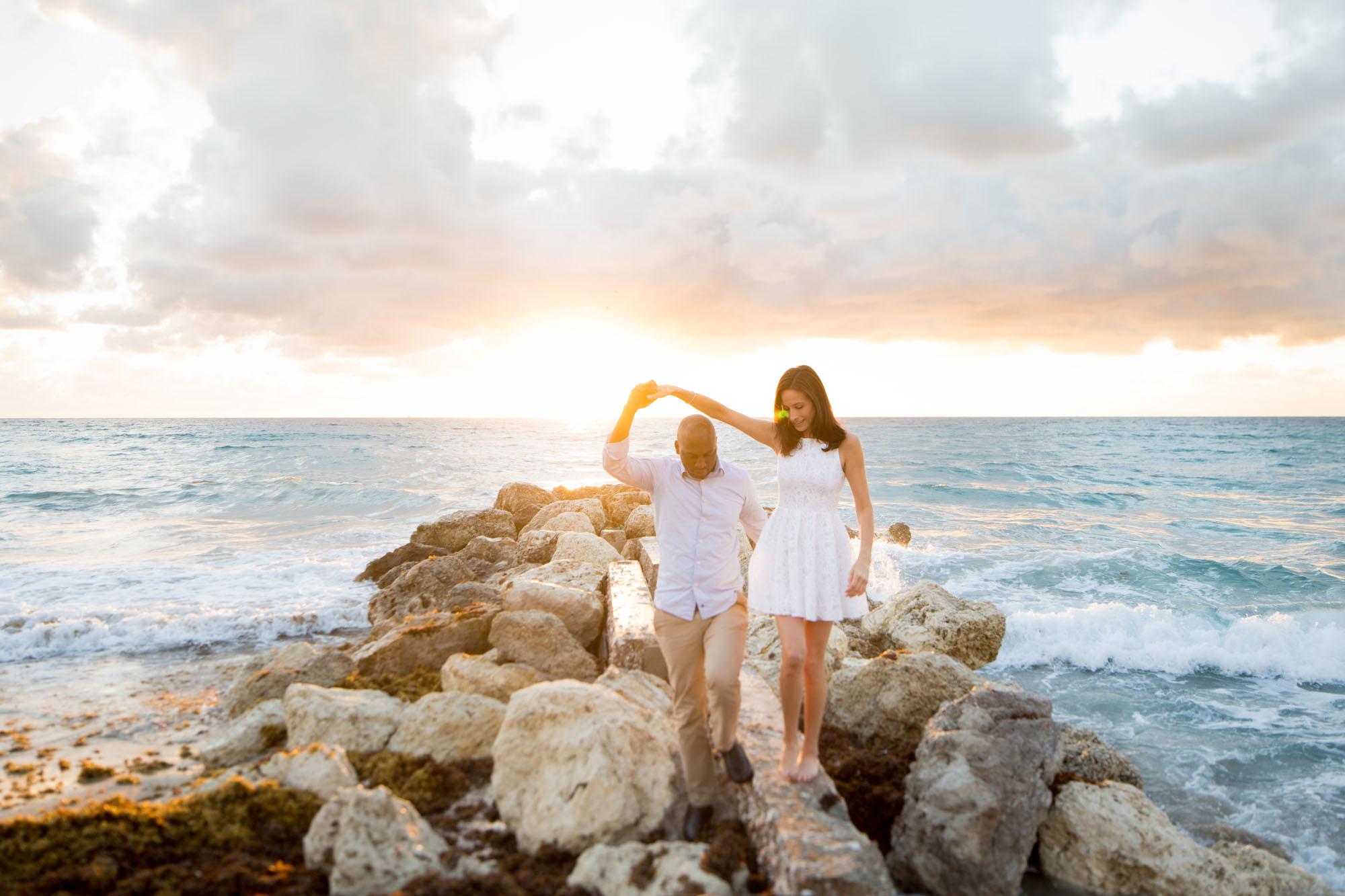 Sunrise Engagement Photos | Sara Kauss Photography